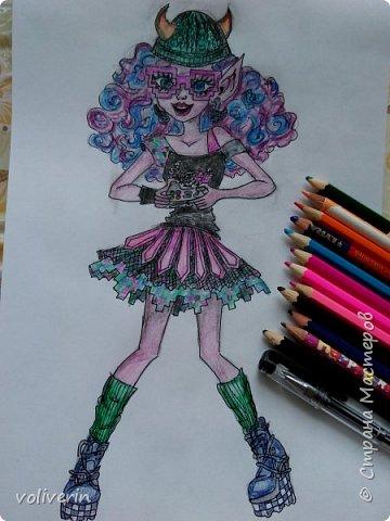 """""""Куколы Монстер Хай (Monster High) нарисованных ручками и цветными карандашами часть два"""" Продолжаю рисовать монстряшек, получаться стало лучше, чем в начале, но ещё есть к чему стремиться. фото 1"""