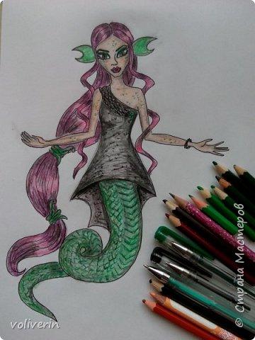 """""""Куколы Монстер Хай (Monster High) нарисованных ручками и цветными карандашами часть два"""" Продолжаю рисовать монстряшек, получаться стало лучше, чем в начале, но ещё есть к чему стремиться. фото 5"""