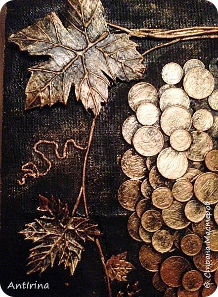 Виноград из монет на подарок медику фото 4