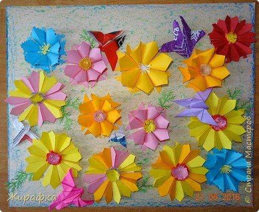 Цветы и колоски для панно делали постепенно. Во время создания других работ. И ещё осталось немного в запасе. фото 4