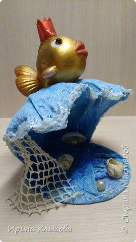 Задание было сделать поделку по сказке. Получилась вот такая золотая рыбка на волне. фото 1