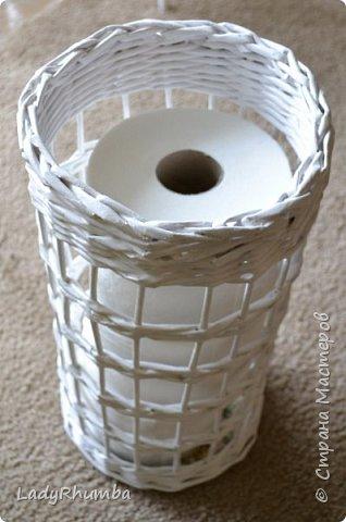 Всем привет!  Вот, вчера сплела себе башню для хранения туалетной бумаги в ванной. Давно задумала сделать эту важную конструкцию, но только сейчас, в вынужденном отпуске, смогла осуществить этот проект.  фото 3