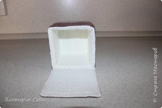 Всем добрый день! Сегодня я хочу представить вашему вниманию мою новую работу - предметы интерьера для ванной комнаты. В набор входят: - шкатулка для ватных палочек - шкатулка для заколочек - стакан под зубные щетки - чехлы для лака и пенки для волос - декорированная картина фото 36