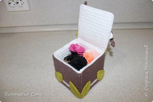 Всем добрый день! Сегодня я хочу представить вашему вниманию мою новую работу - предметы интерьера для ванной комнаты. В набор входят: - шкатулка для ватных палочек - шкатулка для заколочек - стакан под зубные щетки - чехлы для лака и пенки для волос - декорированная картина фото 41