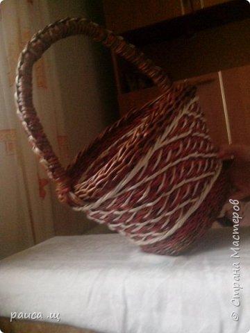 Это моя первая работа ,выставленная в Стране.  Плела по МК Елены Тищенко,трубочки красила водной морилкой. фото 7