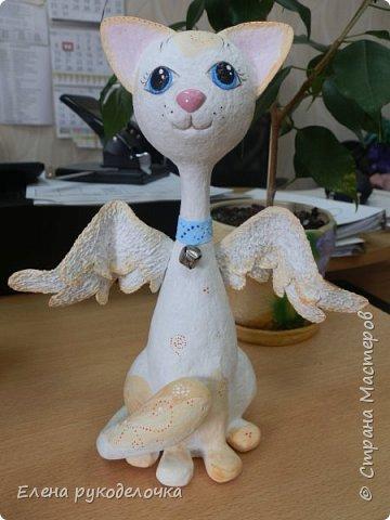 Здравствуй Страна Мастеров. Сегодня я хочу показать вам кошечку из папье-маше. Её заказала сестра моей подруги. Эта киска уже уехала в Москву. Надеюсь ей там понравится. фото 1