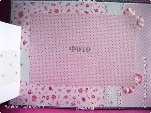 """Альбомчик сделан из бумаги Скрапмир """"Baby Girl"""" и листочка для вырезания от Scrapberrys. В очередной раз делаю по этому МК http://scrapology.ru/master-class-album-econom/  Предыдущие альбомы можно глянуть тут http://stranamasterov.ru/node/1000319 этот мник без раскладушек для фото-просто подложки, просто уголки. фото 4"""
