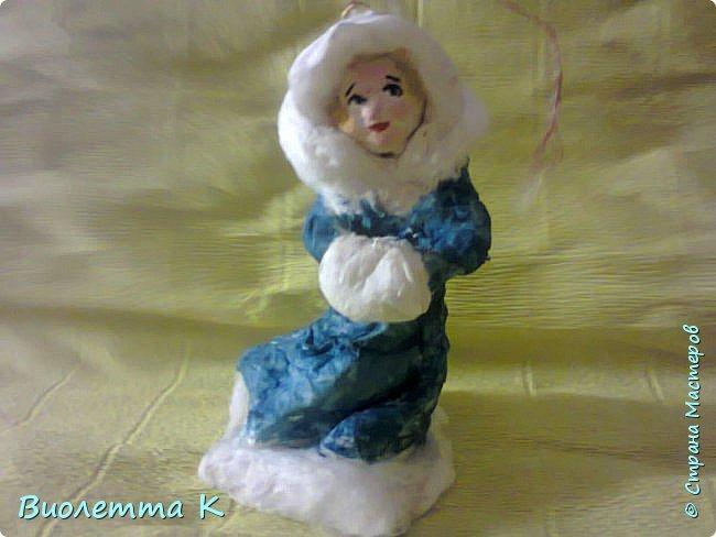 Вот такая девочка с муфточкой получилась.. По мотивам старинных немецких игрушек... фото 1