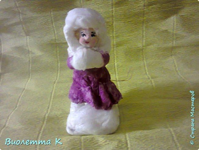 Вот такая девочка с муфточкой получилась.. По мотивам старинных немецких игрушек... фото 3