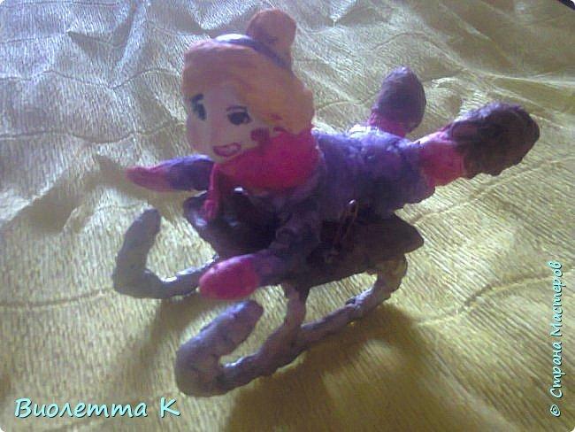 Вот такая девочка с муфточкой получилась.. По мотивам старинных немецких игрушек... фото 4