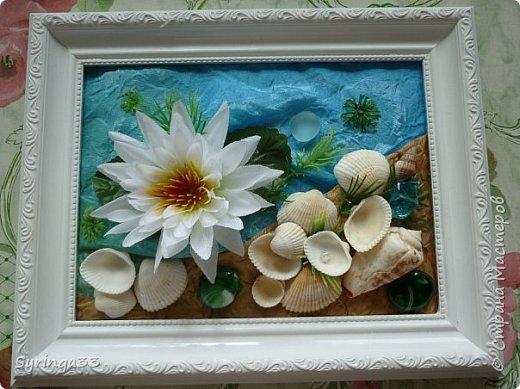 """Добрый день. Десять лет назад я закончила курсы флордизайна и первое время очень любила делать картины из искусственных цветов, бусин, ракушек. Сейчас творю в этой технике редко. Представляю свои любимые работы. Первая-""""Морская"""" фото 1"""