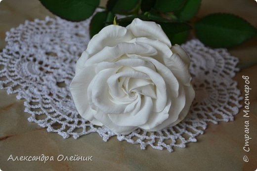 Здравствуйте уважаемые мастерицы и гости моего блога. Вот и добралась я наконец до роз из фоамирана. Это моя первая роза. Очень будет интересно ваше мнение. Пишите в комментариях.  фото 3
