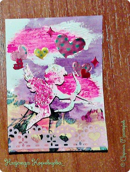 """Находясь в деревне я просто не могла не создать новую серию карточек..!! Очень хотелось создать, что-то воздушное и нежное.. Встречайте, моя четвёртая серия АТС-очек под названием """"Розовые мечты"""". В этот раз я попробовала придать объём и фону, и деталькам.  фото 3"""