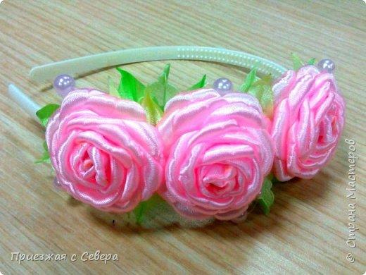 Розы из атласных лент фото 2