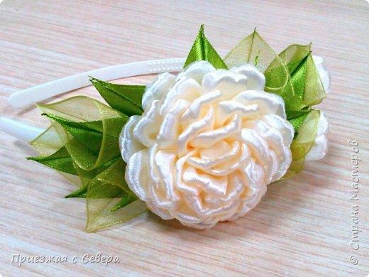 Розы из атласных лент фото 4