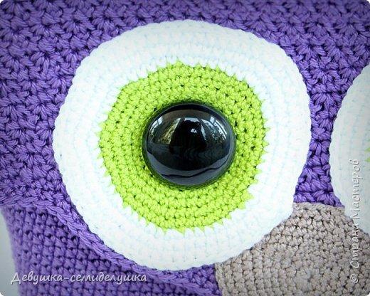 Ну какая модница откажется иметь такую замечательную сумочку — СОВУШКУ? Особенно если модница — рукодельница, вязальщица крючком. Этот мастер-класса http://vpogorelova.com/mk_sumka_sovushka/ для мастериц, которые не могут пройти мимо такой прикольной яркой сумочки в форме совы:) фото 4