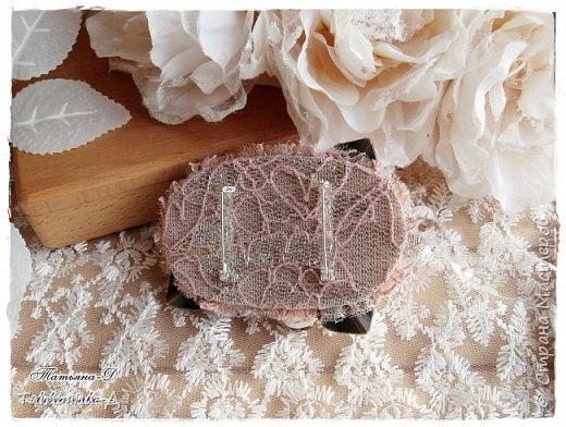 """Доброго времени суток дорогим гостям моей странички!!! Продолжаю, в перерывах между созданием цветочных композиций,увлекаться сотворением вот таких вот украшений из ткани,кружев и бусин. Очень полюбились мне брошечки в стиле Бохо !!! Сегодня представляю броши-""""Хрустальные лепестки"""" и """"Цветы сакуры"""". Приятного просмотра всем желаю!!!  фото 3"""