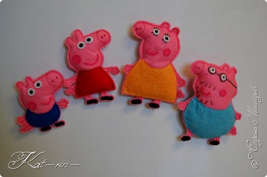 Свинка Пеппа и её семья на магнитах.  фото 1