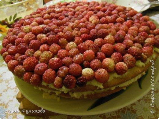Поделюсь сегодня с вами своей идеей ягодного торта к лету ГЛАВНОЙ особенностью будет ягода сверху фото 1