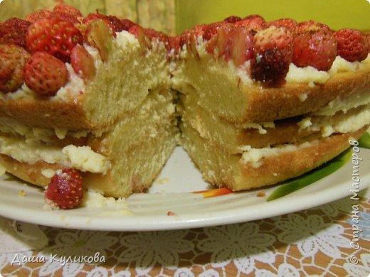Поделюсь сегодня с вами своей идеей ягодного торта к лету ГЛАВНОЙ особенностью будет ягода сверху фото 22