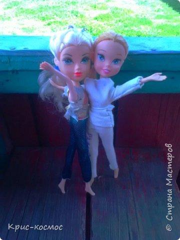 """Привет всем! Я очень люблю писать блоги про своих кукол и сегодня в очередной раз выкладываю блог. В этом посте я покажу, как кукла отдыхала на речке. Если вам интересно, тогда читайте! На первом фото кукла лежит на """"курорте"""" и отдыхает. (Знаю, не очень аккуратно вышло) фото 7"""