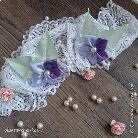 Вот из таких простых лепестков канзаши, получаются милые цветочки для совсем маленьких крох. фото 1