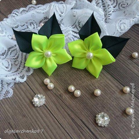 Вот из таких простых лепестков канзаши, получаются милые цветочки для совсем маленьких крох. фото 5