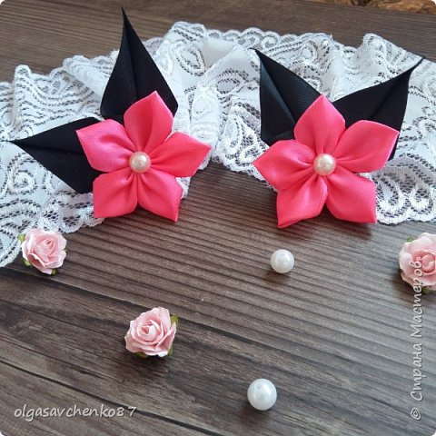 Вот из таких простых лепестков канзаши, получаются милые цветочки для совсем маленьких крох. фото 10