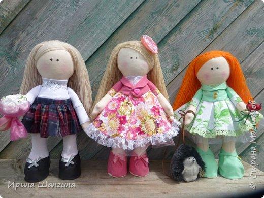 Доброго всем дня! У меня сегодня дебют - интерьерные текстильные куколки большеножки!  Шила куколок в первый раз (притом что шить не умею вообще))) Стоят, сидят самостоятельно, ручки, ножки двигаются. Приглашаю на смотрины))) фото 1