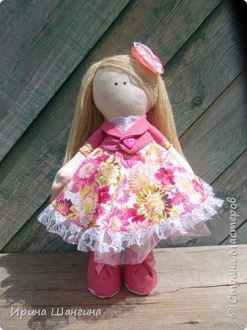 Доброго всем дня! У меня сегодня дебют - интерьерные текстильные куколки большеножки!  Шила куколок в первый раз (притом что шить не умею вообще))) Стоят, сидят самостоятельно, ручки, ножки двигаются. Приглашаю на смотрины))) фото 2