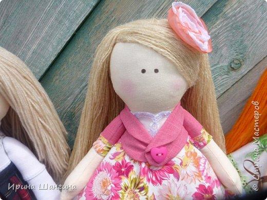 Доброго всем дня! У меня сегодня дебют - интерьерные текстильные куколки большеножки!  Шила куколок в первый раз (притом что шить не умею вообще))) Стоят, сидят самостоятельно, ручки, ножки двигаются. Приглашаю на смотрины))) фото 21