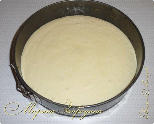 Здравствуйте, мастерицы и гости сайта! Делюсь рецептом нежного и вкусного бисквита на горячем молоке. Он получается нежным, влажным и не требует пропитки сахарным сиропом. фото 9