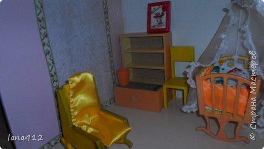 приветствую всех жителей Страны!  Домик из фанеры и всю мебель сделал мой муж, когда родилась внучка!( сейчас ей 9 месяцев)  а разукрашивала и шила - я.домик 140 на 100см фото 8