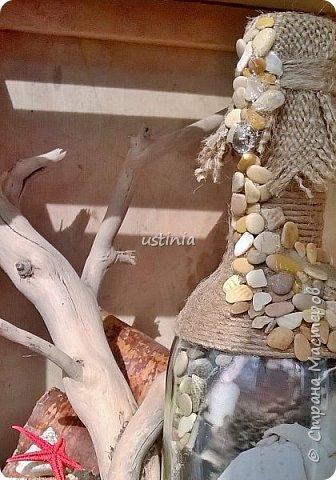 Море, утренней волной, Принесёт на берег свой  И оставит для людей  Уйму нужных им вещей: Камни гладкие, как мыло (Ими море волны мыло); Паклю, словно прядь волос  С гребешка стряхнул утёс; И принцесс морских игрушки – Настоящие ракушки...... ( стих взят с инета..автор Наталия Белостоцкая) Изменила пару слов.....   фото 5