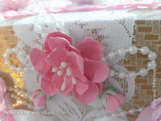 Всем привет! Хочу вам показать свою первую большую работу! Скоро состоится свадьба моей младшей сестренки и я решила сделать для нее такой наборчик. По заказу невесты все выполнено в розовом цвете. Ну а теперь все по отдельности... фото 29
