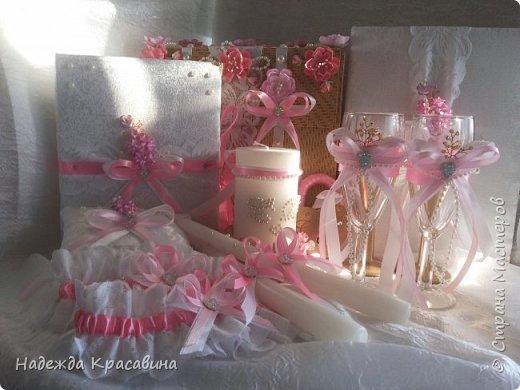 Всем привет! Хочу вам показать свою первую большую работу! Скоро состоится свадьба моей младшей сестренки и я решила сделать для нее такой наборчик. По заказу невесты все выполнено в розовом цвете. Ну а теперь все по отдельности... фото 31