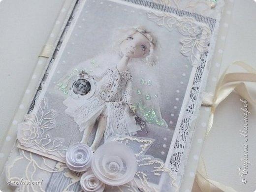 На днях появилась на свет вот такая коробочка,  нежная-нежная....с задумчивым ангелом... фото 2