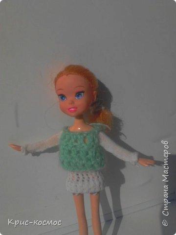 Здравствуй, страна мастеров! В этом посте я научу вас, как делать спальни (так я её называю) для питомца куклы. Долго я делала... а в общем, давайте к делу. нам потребуется: -зубочистки (или деревянные палочки) -клей-пистолет -картон -пряжа (по желанию можно взять атласную ленту) -вата -ткань -простой карандаш -кусачки (нет на фото) - и конечно сам питомиц.  фото 9