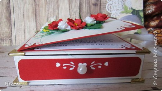 Очень понравились открытки Ирины Голубки, решила сделать такие  же . Спасибо, Ирочка ,за подробную информацию и показ , как делать фон из разной бумаги. Это просто идеальная идея  использования всей бумаги для оформления открытки. Использовала материал разный, пробовала новый дырокол. Впервые делала цветы из фомиана. фото 7