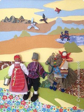 Фон- аппликация из ткани, с объёмными народными куклами из ткани и мочала. фото 1