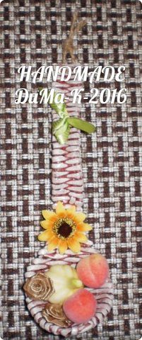 """Всём привет! Я занимаюсь плетением) В этом блоге покажу вам некоторые свои последние работы!  №1 Вот такая шкатулка с винтажной девчушкой! Трубочки  из писчей бумаги, розовые трубочки покрашены колером  с водичкой и лаком, коричневые водная морилка! Всё покрыто клеем ПВА  с водой, и 2 слоя лака """"Евротекс""""! фото 15"""