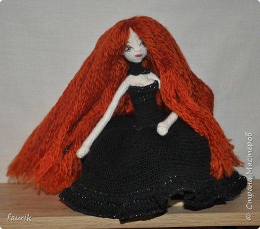 Новенькая девочка, 27 рост. Волосы акрил, крючок 0,75, проволочный каркас фото 3