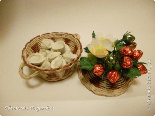 """Букетик для мамы, """"Весенние цветы"""".  В составе: 7 конфеток Золотая лилия, 22 конфетки Шарлетт, 250гр. конфет Марсианка (это в сирени), 6 конфеток Жизель и 9 конфет- карамелек Мини-М ассорти.  Вобщем увесистый букетик.  Идея сирени позаимствована мной у  Татьяны Малиновцевой.  фото 20"""