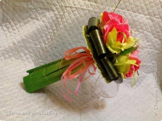 Этот букетик делался очень быстро,  для моей подруги по творчеству (плетению)  Ириночки.   Мне он нравится,  как не странно.  фото 31
