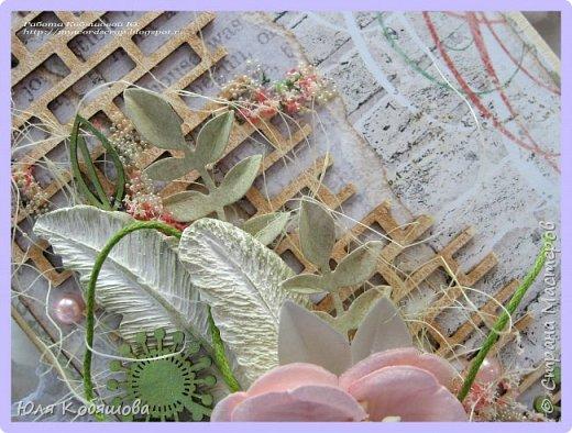 Здравствуйте, мои хорошие! Хочу показать  очередную порцию открыток.  Использовала чипборд от Chipboards.ru Чудоцвет.  Как делаю часто, разрезала его на части и распределила по всей композиции. Так же использовала сизаль, вырубку, цветок, шебби ленту, вощеный шнур, перышки из пластика, полубусинки, микробисер, Flower Soft. фото 3
