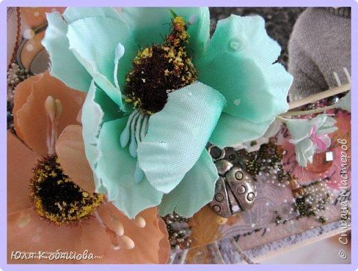 я сегодня с новой работой, просматривала на днях видео Лены Моргун и прям так вдохновилась ее творениями, что руки сами сотворили вот такую стоечку с фотографией.  Угадайте, кто эта щекастая девочка. Да, да, это я. фото 3