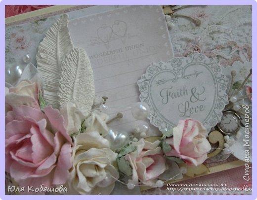 Хочу показать нежный конвертик. Использовала бумагу от Bee Shebby Wedding, высечки этой же коллекции, кружево, цветочки, пластиковые самодельные украшения, вырубку, брадс, чипборд, полубусинки, бисер, микробисер и бусинки на леске.  фото 3