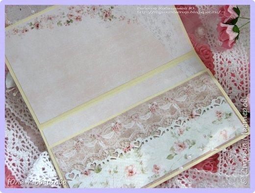 Хочу показать нежный конвертик. Использовала бумагу от Bee Shebby Wedding, высечки этой же коллекции, кружево, цветочки, пластиковые самодельные украшения, вырубку, брадс, чипборд, полубусинки, бисер, микробисер и бусинки на леске.  фото 5