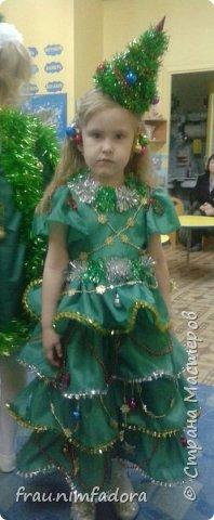 Насмотревшись красивых платьешек для любимых дочек, решила своей сделать что-то похожее. нашла шифон, тесьму и готово. сзади вшила молнию. фото 3