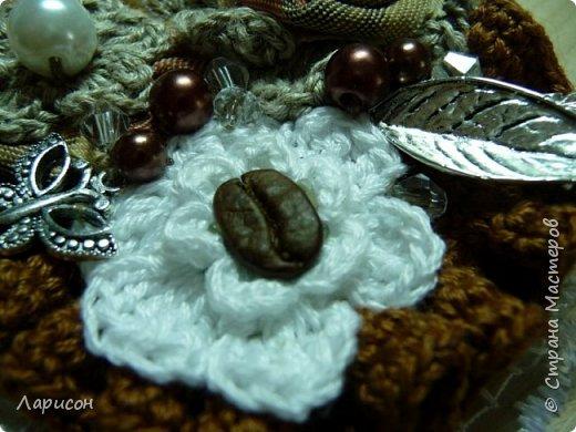 Сделала панно для дачи... Это герб дачи с яблочком, заготовки на полочке и цветочки(мне попались два слова кофе-цветы и я их использовала и в панно и в отдельном изделии - в брошке... фото 7